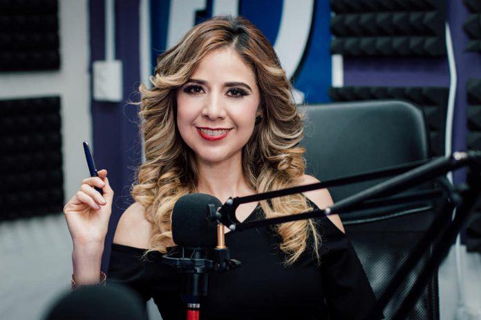 Bárbara Benítez en cabina Factor 4